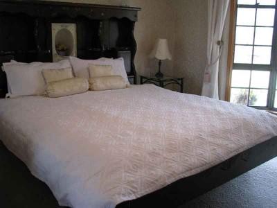 Hilltop bed