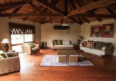 Claremont Cottage loungeroom